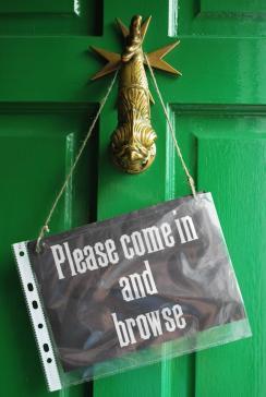 hazelnut-doorknocker